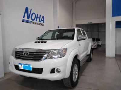 Toyota Hilux 4WD 2013